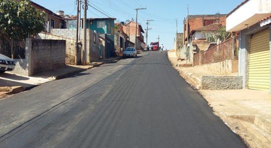 asfaltamento-da-principal-rua-do-bairro-do-cruzeiro