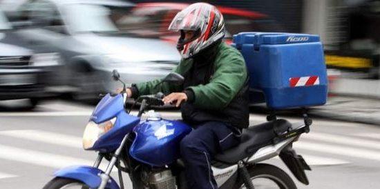 ladroes-roubaram-cerca-de-r-40000-um-celular-e-todos-os-documentos-pessoais-do-motoboy