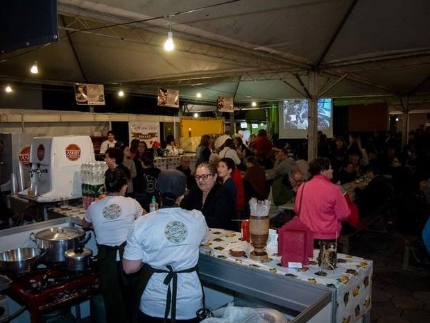 Festival de gastronomia de Gonçalves espera receber pelo menos 4 mil pessoas neste sábado (15) e domingo (16) (Foto: Clodoaldo Costa/Gonçalves)