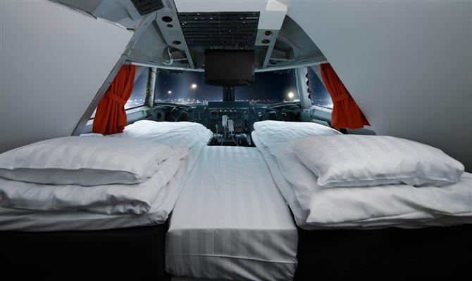 Suíte para duas pessoas no cockpit do avião é um dos destaques do Jumbo Stay