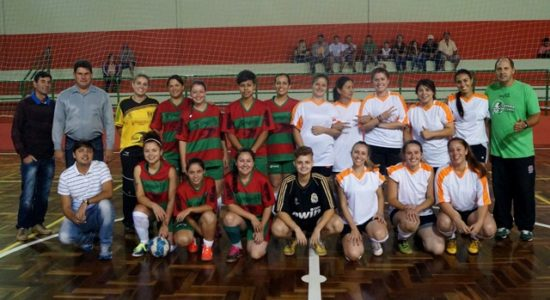 Competição teve iníico na segunda (16) com dois jogos e uma partida de futsal do time feminino