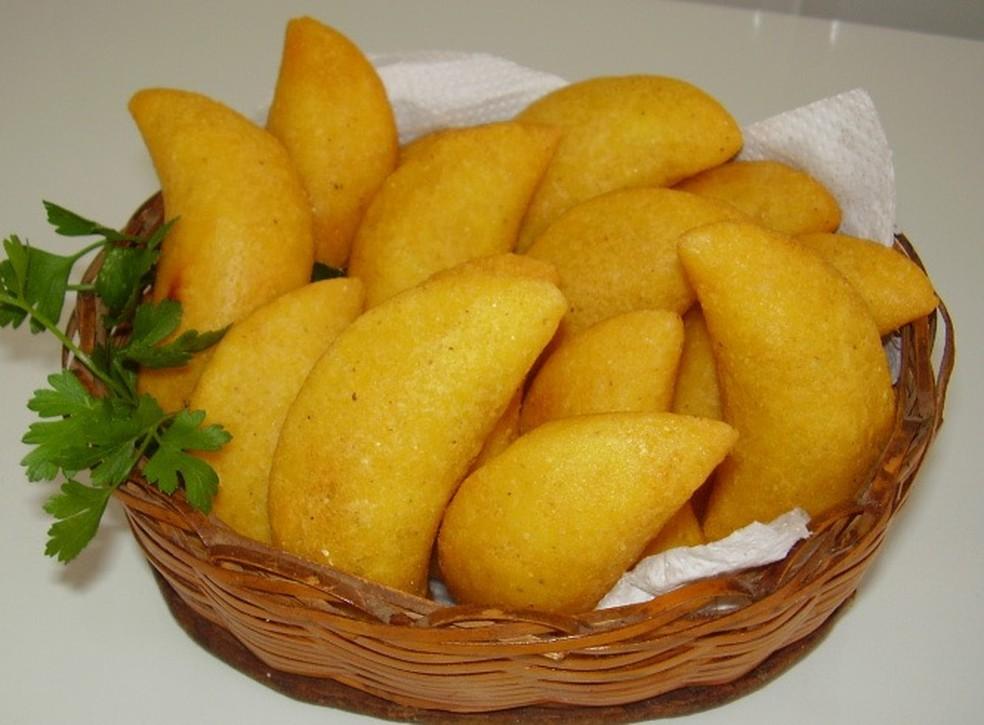 Culinária mineira com pastel de fubá é atração em Machado (Foto: Secretaria de Turismo de Machado/Divulgação)